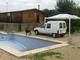 Se vende parcela de 3500m con casa de madera y piscina