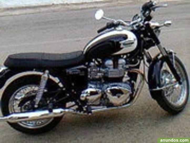 Vendo moto Triumph