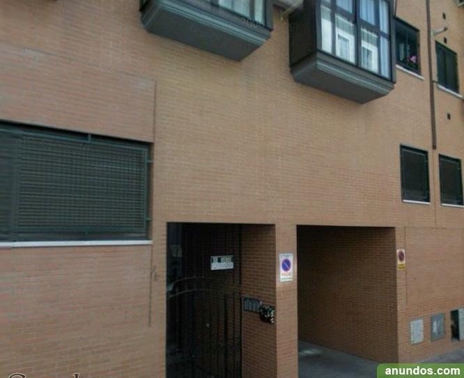 Plaza de garaje en alquiler puente de vallecas madrid for Anuncio alquiler plaza garaje