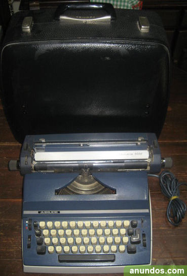Maquina de escribir Triumph Adler Gabriele 5000