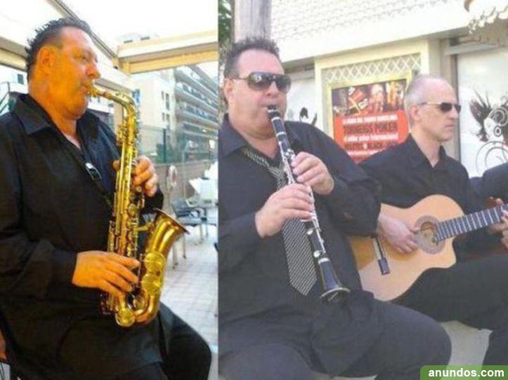 Saxofonista y clarinete, dúos, grupo musical