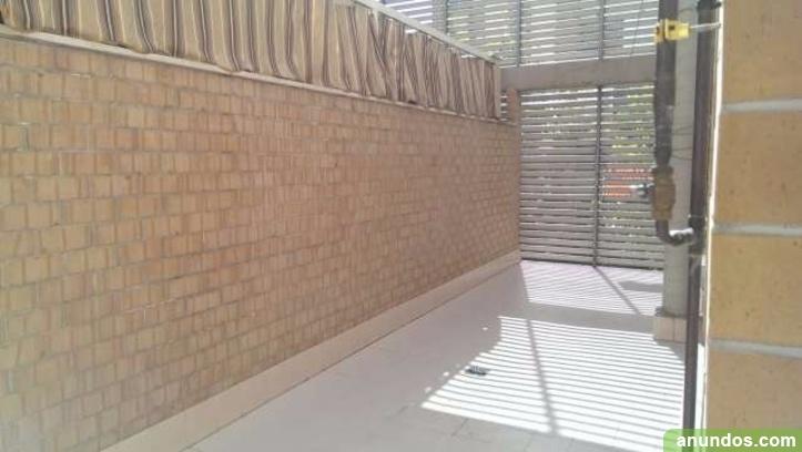 Agraciado piso en trauma de 90 m2 granada ciudad for Pisos obra nueva granada